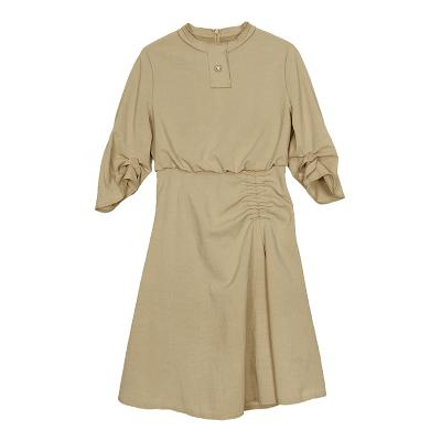 pretty shirring dress beige